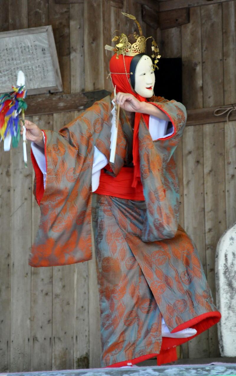 Yosimikagura14